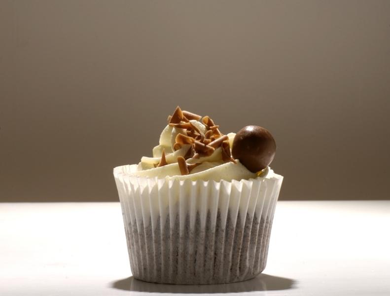 white_chocolate_cupcakes
