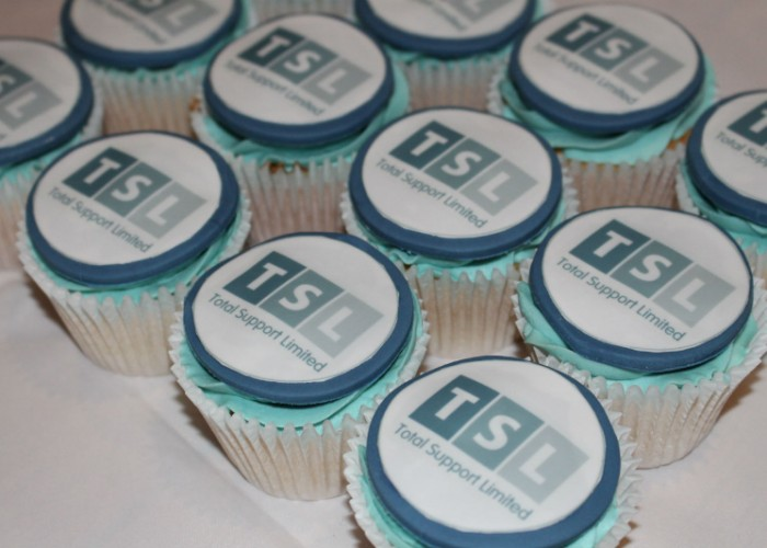 corporate-branded-cupcakes