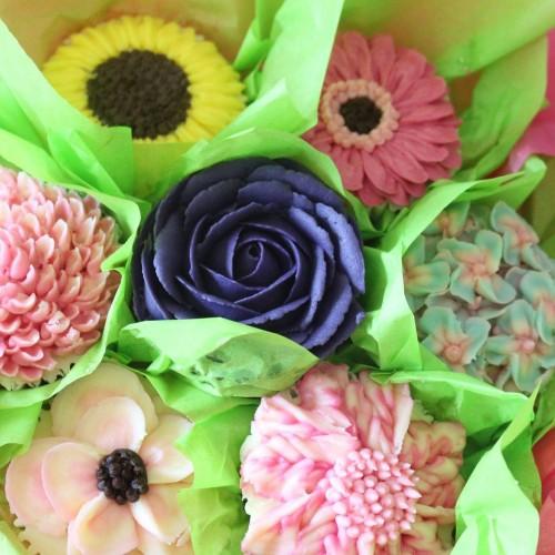 LoveaCupcake - supplying cakes and cupcakes around ...